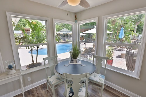 Poolside Loft, St. Augustine, Museums, Beaches, 5 Golf Courses, Boating, Fishing