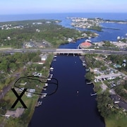 Waterfront W/boatlift Avail, Gulf Access Near Sandbar With Kayaks & Canoe/&motor