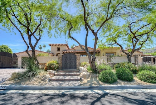 Wonderful Palm Desert Location Next to El Paseo Shopping and Dining District