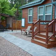 Cabin #6 is a 2 bedroom, 1 & 1/2 bath, 2-flat screen tv's.  Overlooks the creek.