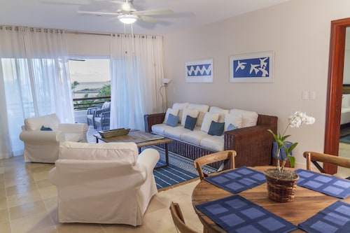Discount Rates!!!!!2 Brm;beach Front;screened Balcony;daily Maid;golf;eden Roc