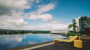 4 outdoor pools