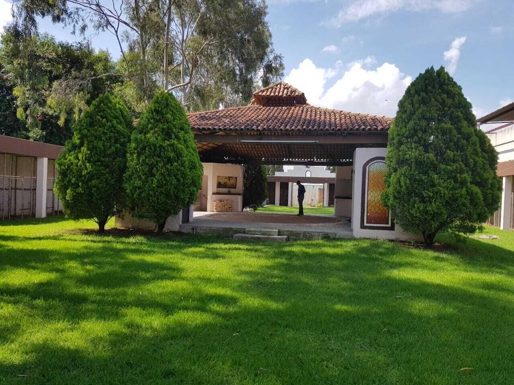 Casa de campo terraza para todo tipo d fiestas con amplias areas verdes precios promociones y - Terrazas casa de campo ...