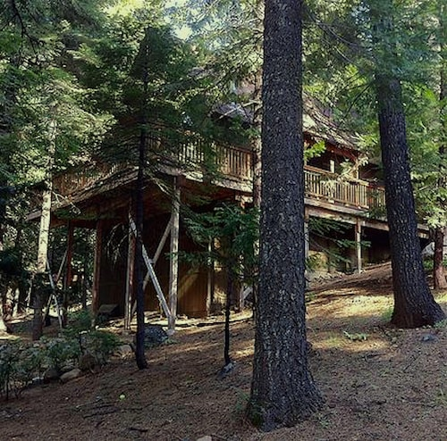 All-wood Sierra Cabin in the Woods Near Arnold/bear Valley