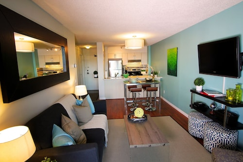 Stylish Calgary Downtown Executive Suite