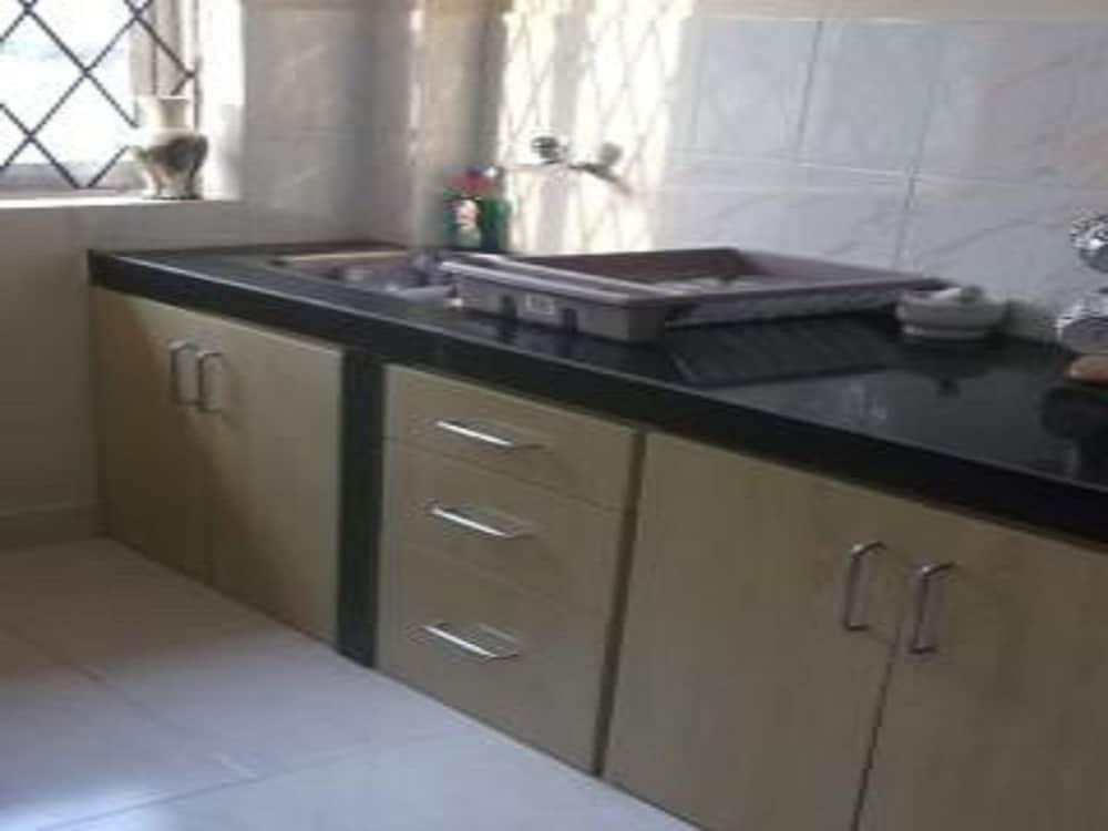 2 Double Bedroom Apartment, Kitchen, Lounge, 2 Balconies ...