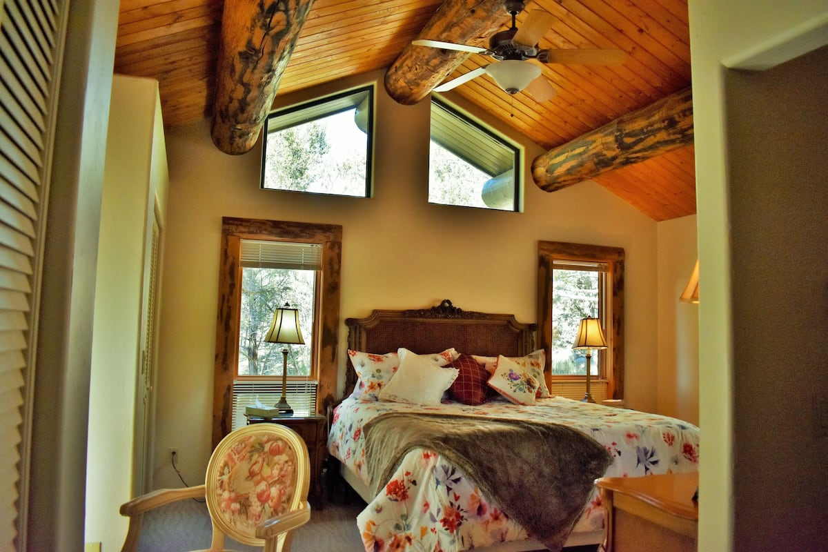Stunning Log Home Secluded And Peaceful Getaway Close To The Action In Durango 2021 Room Prices Deals Reviews Expedia Com