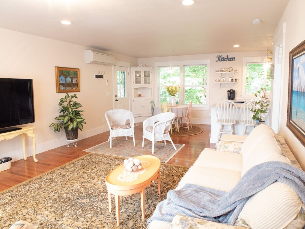 New High End Guesthouse In Warm Beach, Stanwood, WA In Mount Vernon | Hotel  Rates U0026 Reviews On Orbitz