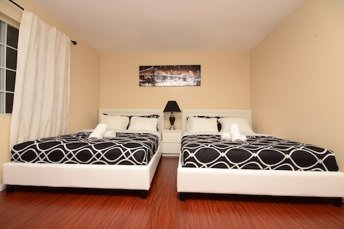 Hollywood Luxury Double bedrooms