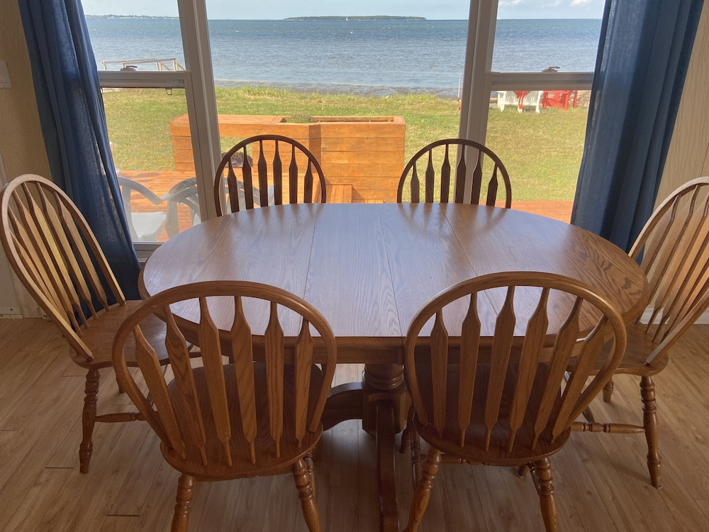 Private Kitchen, Oceanfront Cottage In Grande-digue, Near Shediac And Bouctouche