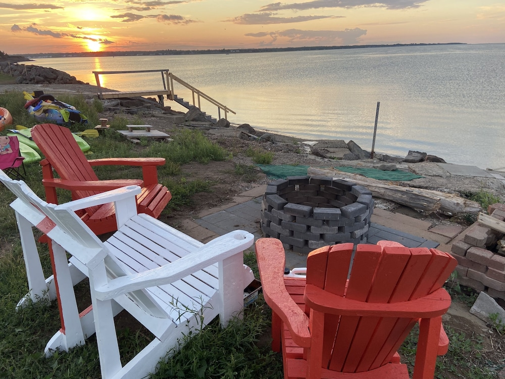 Balcony, Oceanfront Cottage In Grande-digue, Near Shediac And Bouctouche