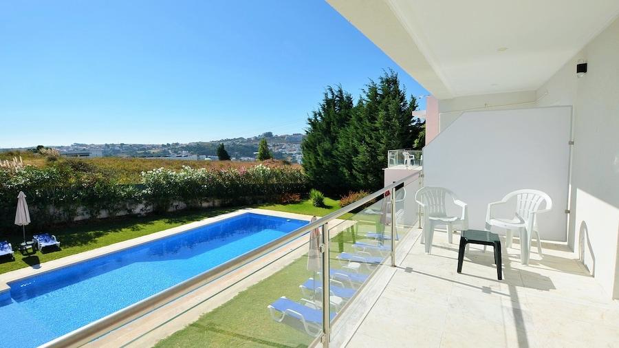 HILLTOP OASIS - Lisbon Lux Oeiras Resorts