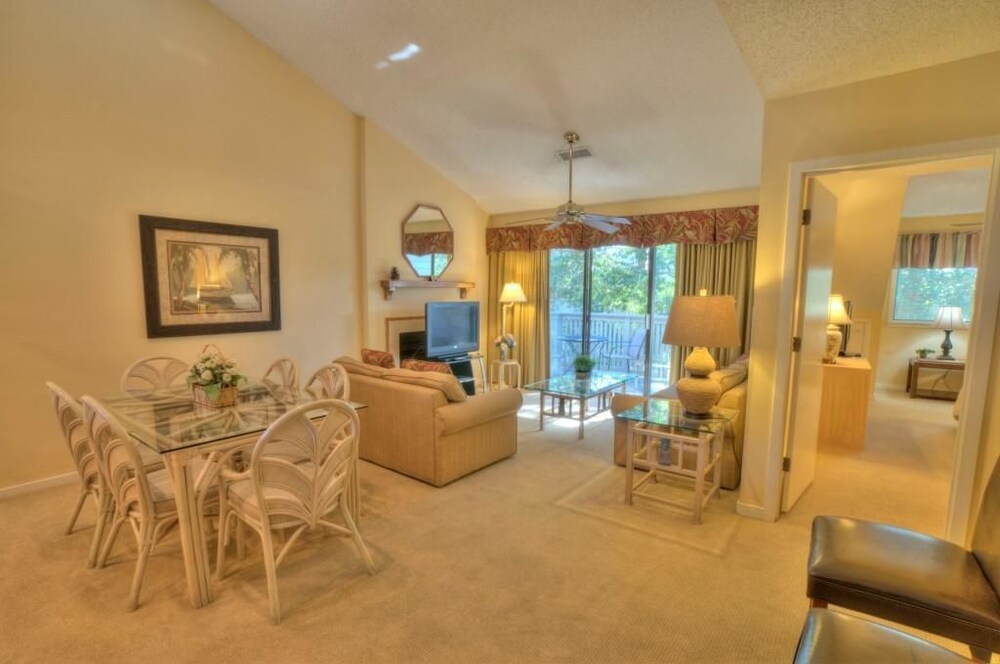 Condo, 3 Bedrooms, Kitchen - Featured Image