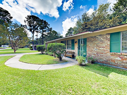Great Place to stay 12509 Golf Club Drive Home 4 Bedrooms 2 Bathrooms Home near Savannah