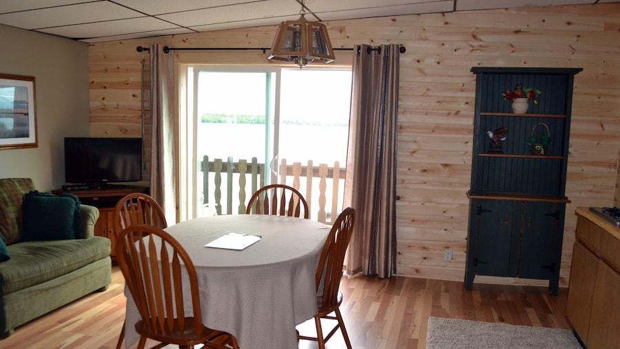 AJ's Walleye Lodge