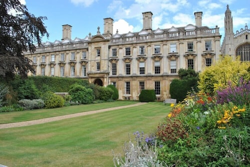 University of Cambridge, Clare College