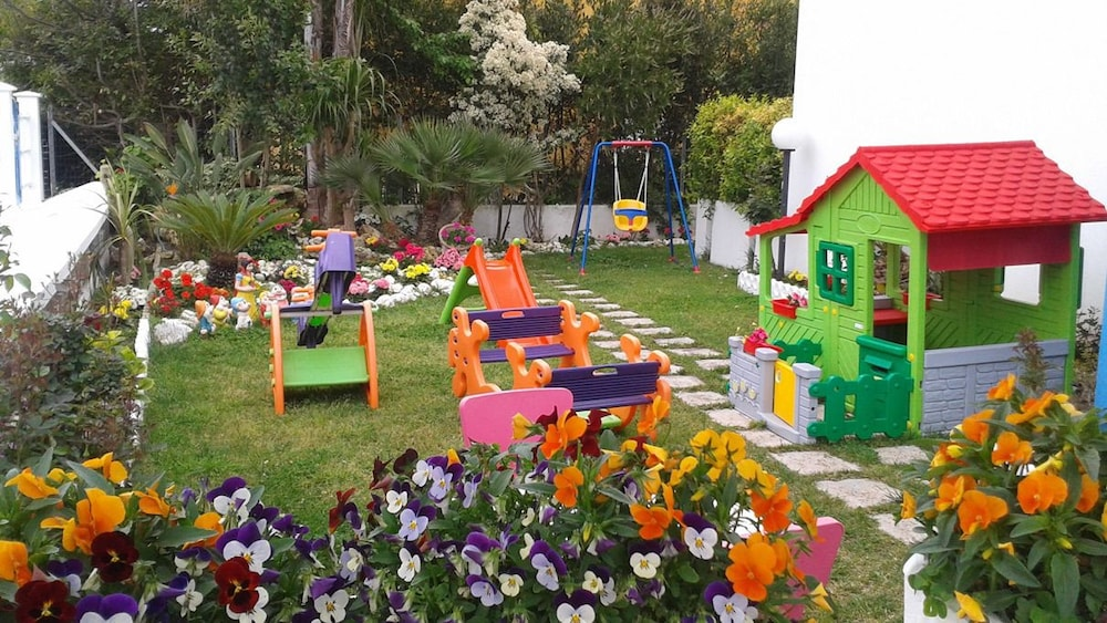 Children's Play Area - Outdoor, Hotel Le Palme