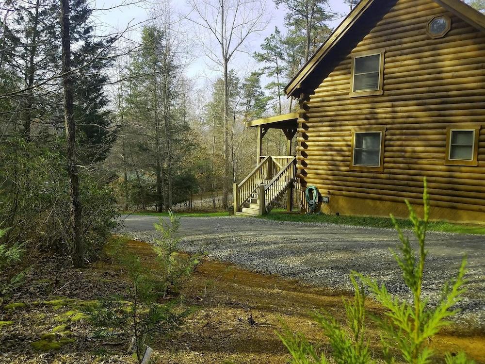 Labor Day Wkendopen!log Cabin/mountains,lake,beach,waterfall
