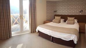 窗簾、熨斗/熨衫板、免費嬰兒床、免費摺床/加床