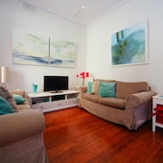 BM21 Balmain 2 Bed Beauty