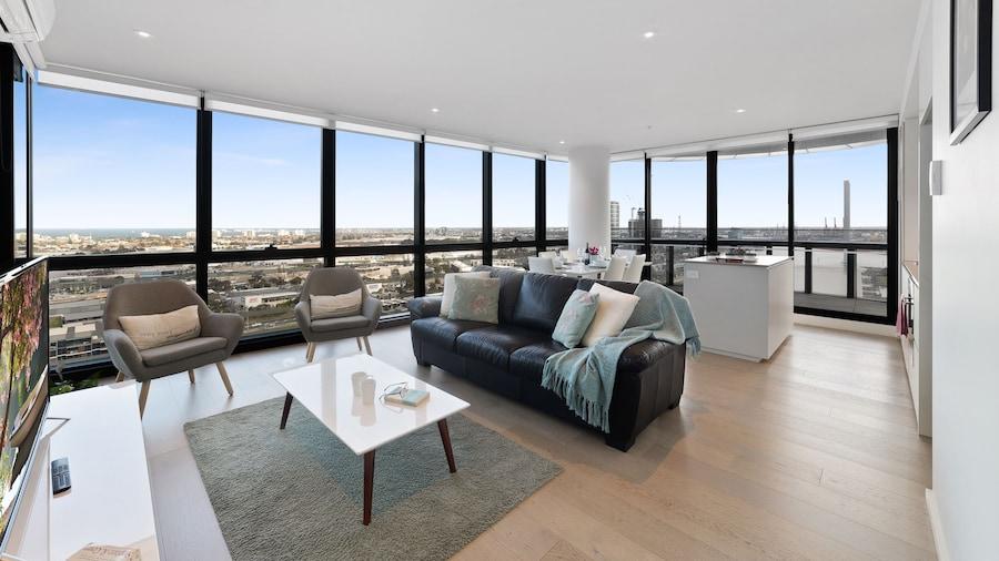 Melbourne Lifestyle Apartments - Best Views on Collins