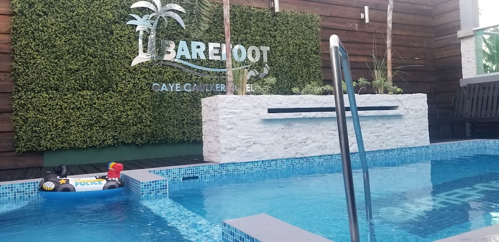 Outdoor Pool, Barefoot Caye Caulker Hotel