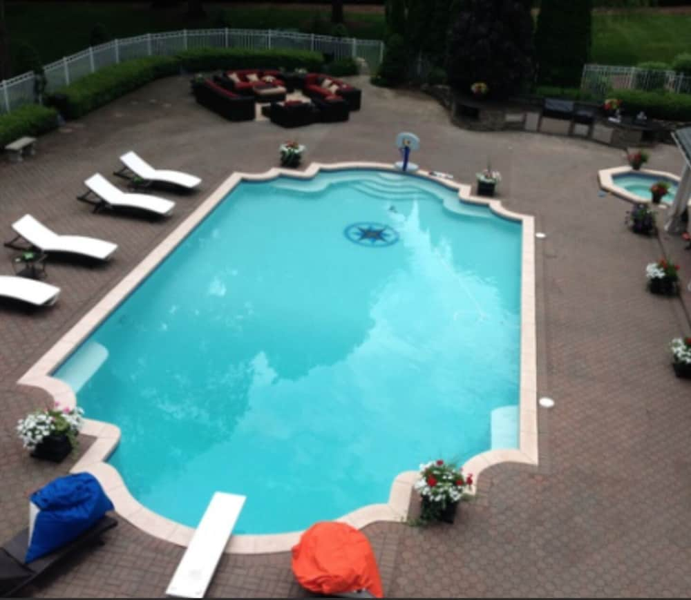 Premier Location Only 45 Minutes to NYC (Parsippany) – 2019