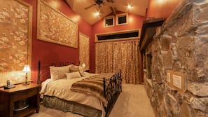 3 bedrooms, desk, iron/ironing board, travel crib