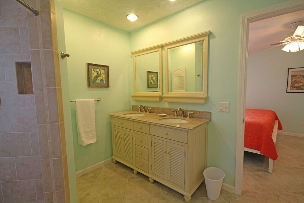 Bathroom, Exquisite 1st-floor Beachfront, Low Density Complex, Step From Deck to Sand