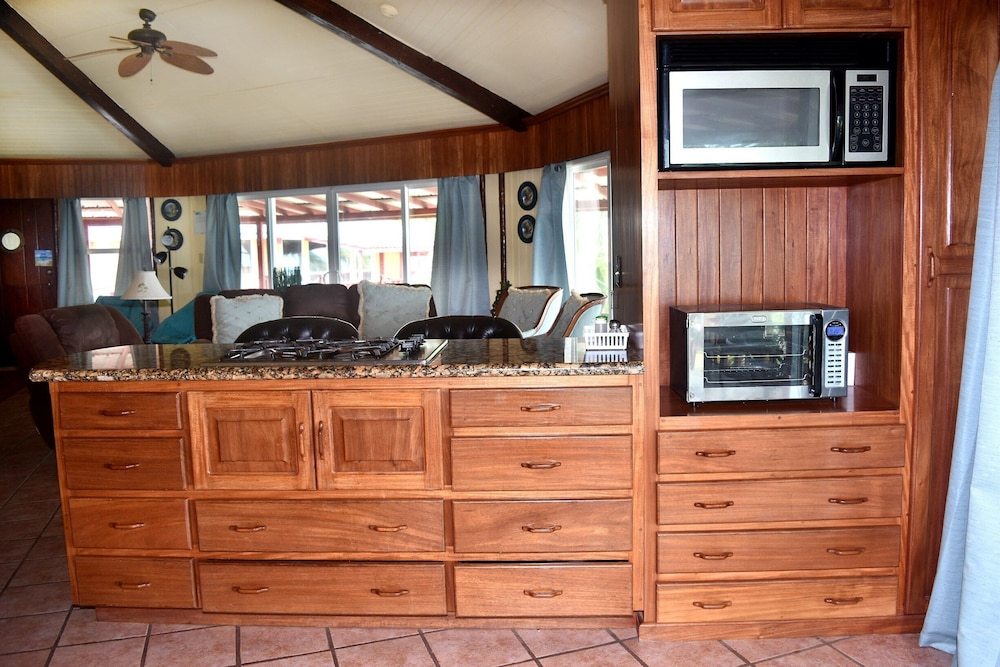 Private Kitchen, Executive's House on the Exotic Caribbean Sea, Tons of Extras