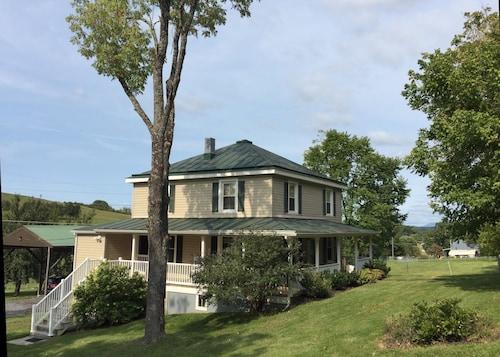 Check Expedia for Availability of Michie Shire Farmhouse in Lexington, VA