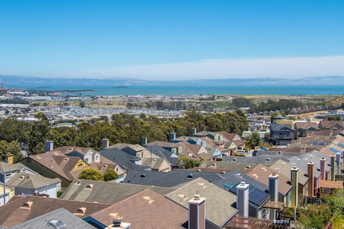 Newly Listed SF Border Luxurious Home With SF Bay Views & 20ft Vaulted Ceilings