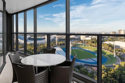 Ibis sydney olympic park to qudos bank arena