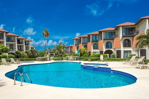 Villas Pappagallo by Cayman Villas