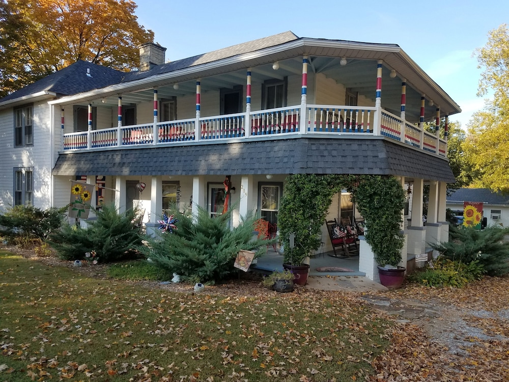 Featured Image, Ozark Country Inn Bed & Breakfast