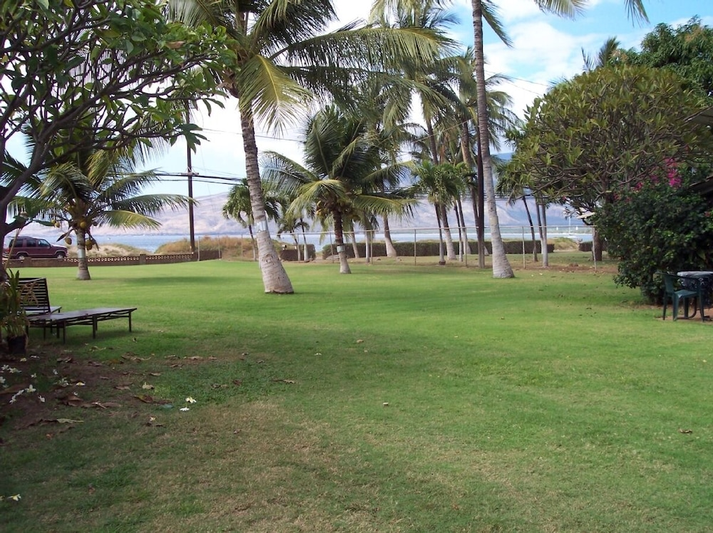 Terrace/Patio, Kihei - Tropical Cottage Across From the Beach - Permit # Stkm 2015/0003