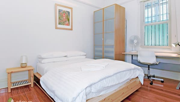 2 bedrooms, iron/ironing board, free WiFi, bed sheets