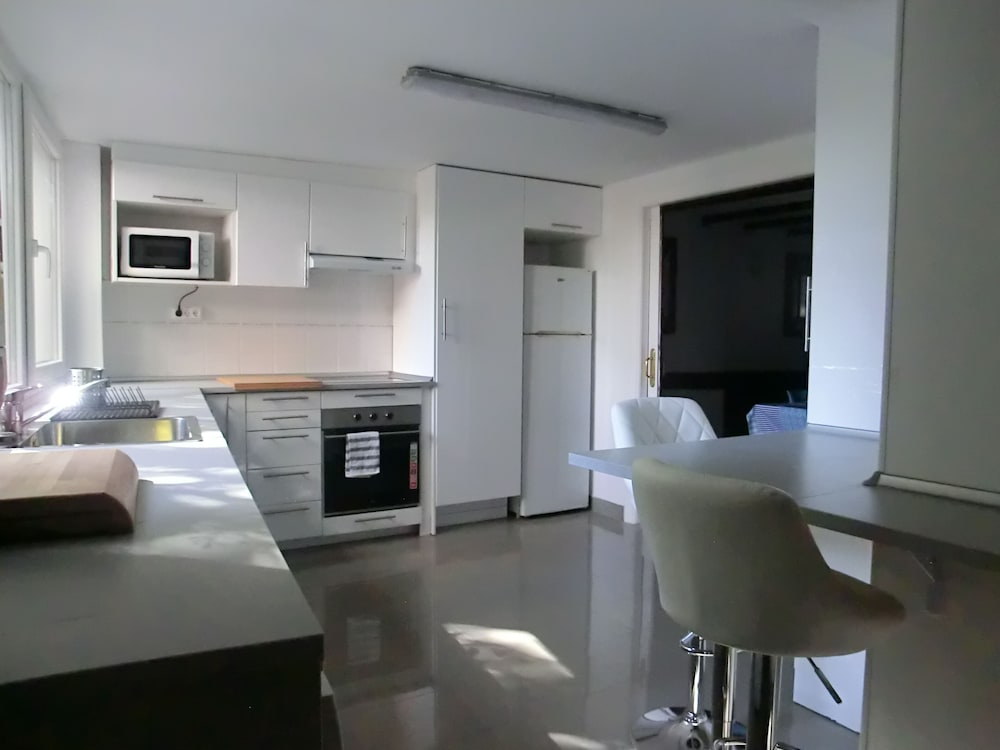 Private Kitchen, Neguri Metro - Ideal Families, Wifi