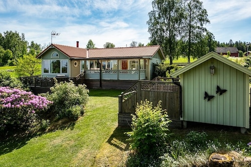 Beautiful, Quiet and Comfortable Accommodation Near Mullsjön