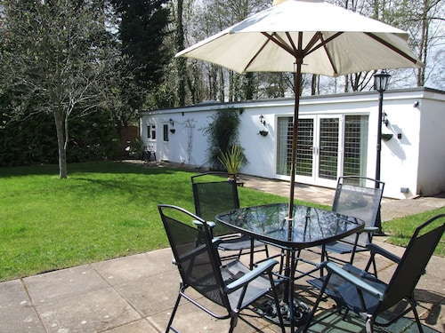 Lodge With Private Garden In Country Village - Pets And Babies Welcome