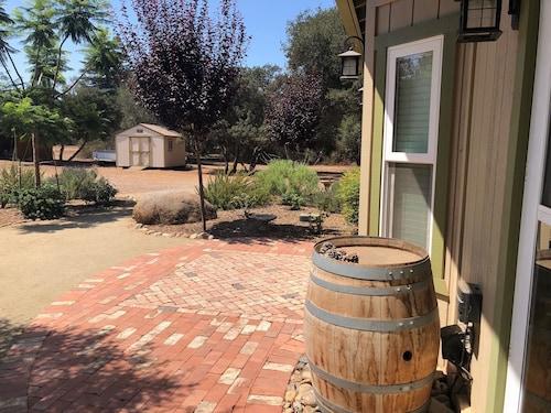 Great Place to stay Romantic Getaway In Ramona's Wine Country near Ramona