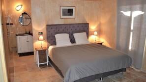 3 chambres, fer et planche à repasser, lits bébé (gratuits)