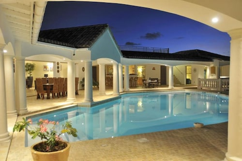 Villa With 4 Bedrooms in Saint Martin, With Wonderful sea View, Private Pool, Furnished Garden - 200 m From the Beach