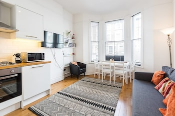 Hammersmith · Cozy Apartment Near Hammersmith Station