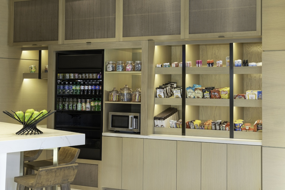 Snack Bar, Hyatt Place Sandestin at Grand Boulevard