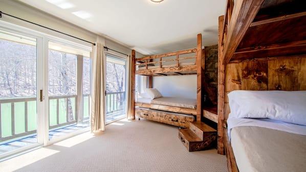 6 quartos, ferros/tábuas de passar roupa, Wi-Fi, roupa de cama