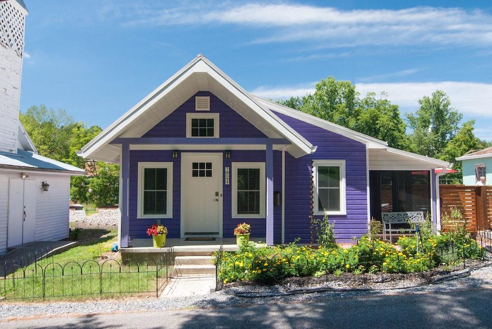 The Eggplant Cottage In Jonesborough Tennessee