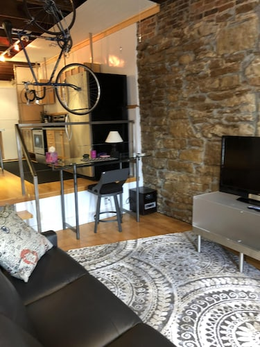 Contemporary Loft Style Apartment In The Heart Of Historic Downtown Lawrence Ks 0 Out 5