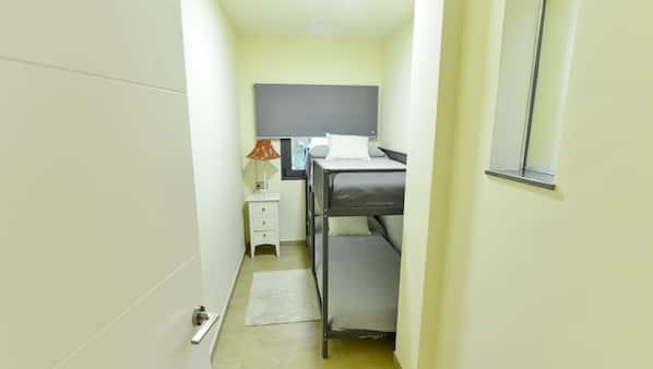 5 quartos, ferros/tábuas de passar roupa, Wi-Fi, roupa de cama