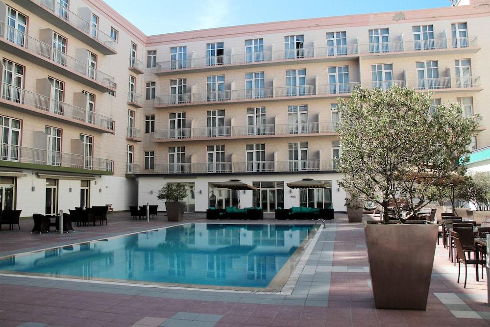 Royal Garden Hotel Baku In Baku Hotel Rates Reviews On Orbitz